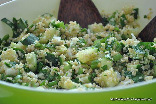 Хочу поделиться с вамирецептом легкого и летнего ливанского салата табуле, который готовится с булгуром ( вид крупы из пшеницы) и с большим…