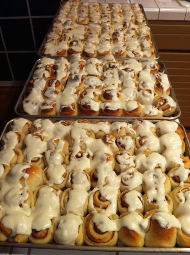 Bread Machine recipes for cinnamon buns, orange rolls, apple braid....includes directions for freezing the dough! Have to try this one!