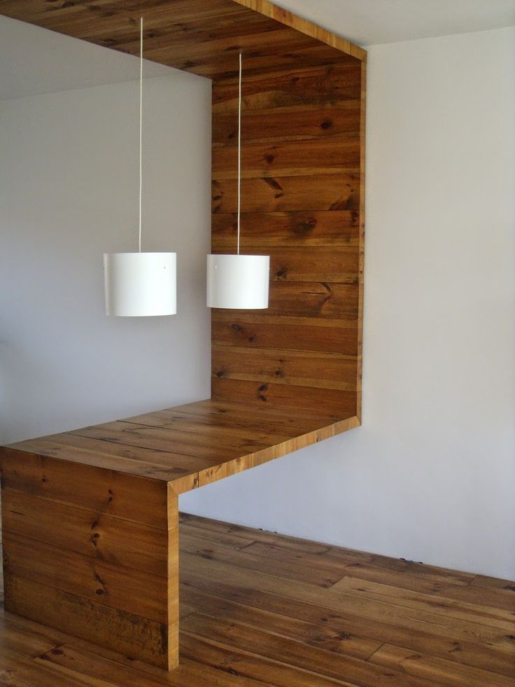 дневник дизайнера: Оригинальный стол из дерева в интерьере небольшой квартиры-студии