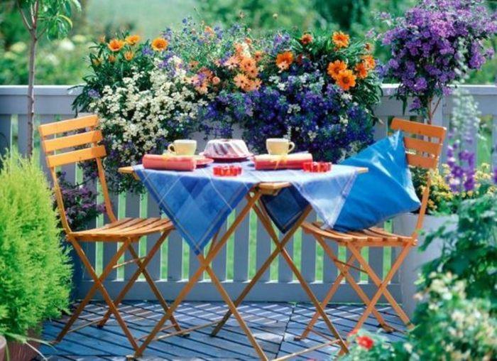 amenagement balcon avec des fleurs, comment bien amenager le balcon