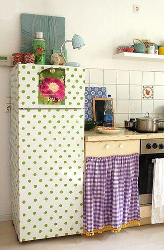 wallpaper fridge, green polka dots, kitchen