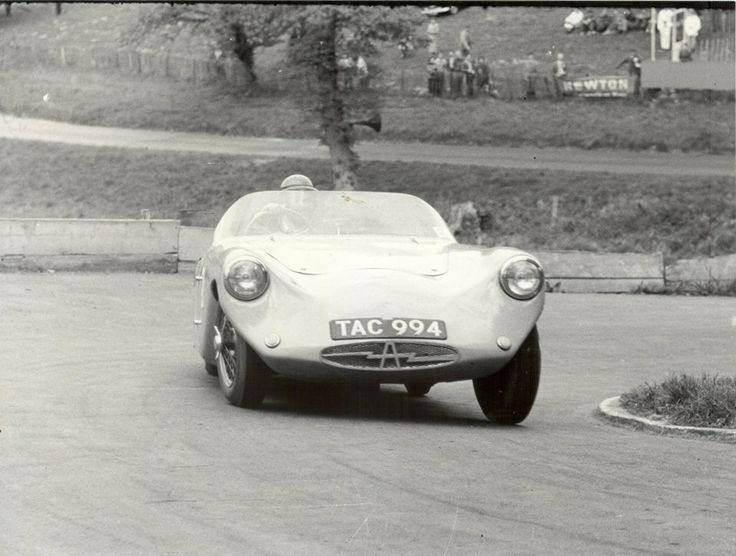 Delicieux 1956 Arnott Period Racing Photo