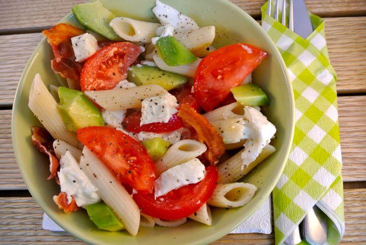 Frisse en kleurrijke pastasalade - Lekker en Simpel