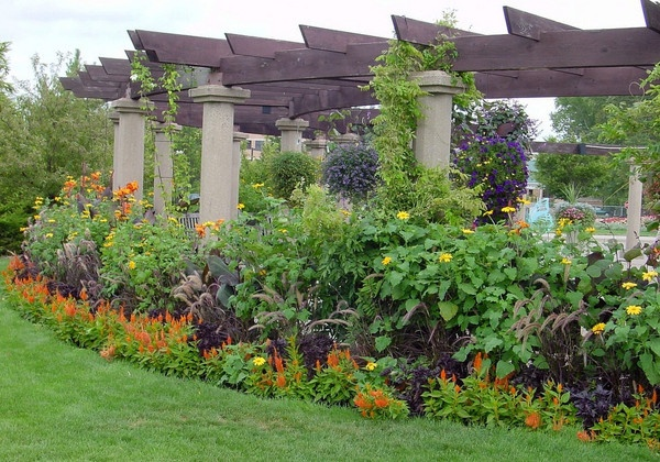 A horticultural demonstration garden, with nineteenth century origins, run by Michigan State University.