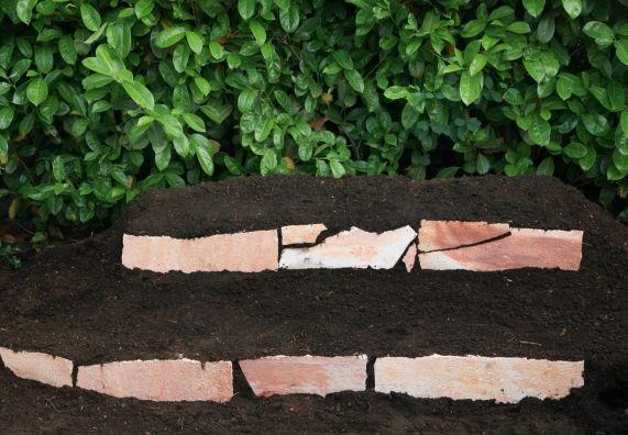Steine terrassenförmig schichten