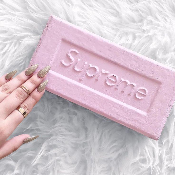 Supreme girls - Supreme brick pink custom (©radasfvck)