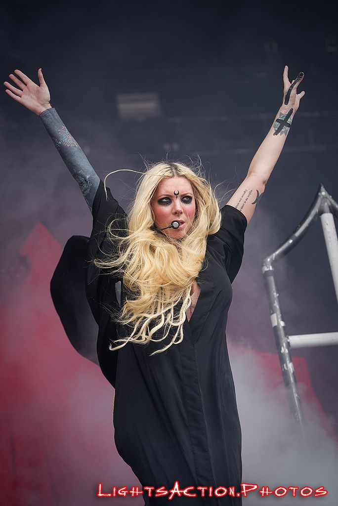 23 best in this moment maria brink images on pinterest - Maria brink pics ...