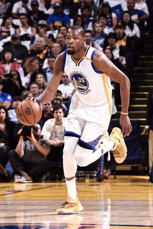Kevin Durant With 29 Points Against The Lakers