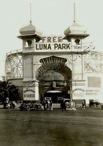 Luna Park,St Kilda,Victoria in the 1920s.A♥W