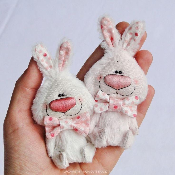 Купить Розовый и белый зайки - заяц, зайка, маленький зайчик, коллекционные игрушки, Юля Овцына