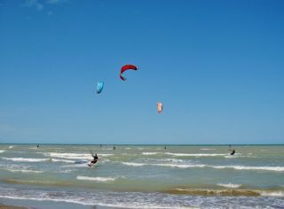 Kitesurf nella spiaggia libera