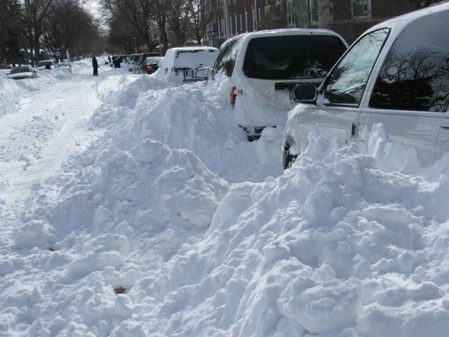 2014 Chicago Snow | Don't let your car get plowed in—or worse, towed. The city offers ...