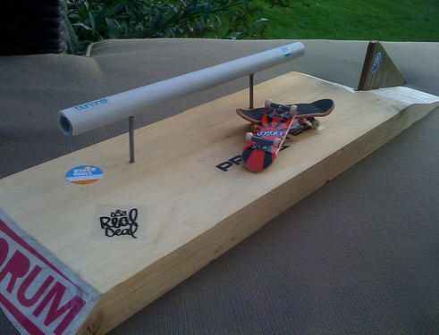 how to make a homemade halfpipe for tech deck