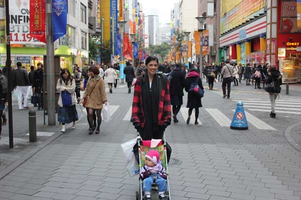 Six tips for taking your tikes to Tokyo