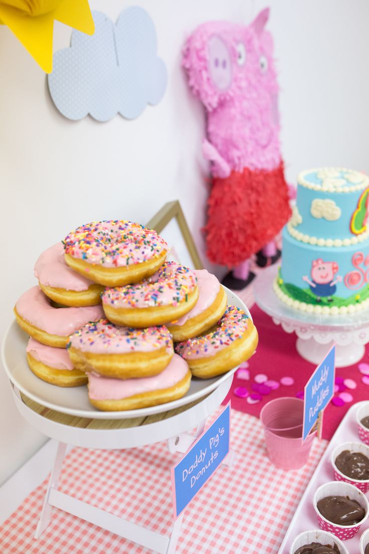 Peppa Pig Party - Daddy Pig's Donuts