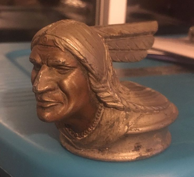 Vintage 1928/1929 Pontiac Indian Head Radiator Cap / Hood Ornament