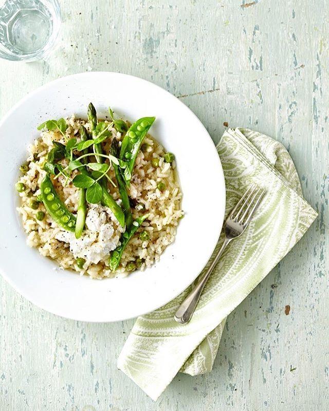 Dove c'è riso c'è @carmenarancino #repost #risottoprimavera #asparagi #formaggiodicapra #yummy #facileveloceebuono  #senzaglutine #singluten  #glutenfrei #delicious  #healthyfood #cibosano  #mangiaresano #riso #arroz #rice #healthychoices  regram @chs_creative #glutenfree  #instafood  #Risotto #Italianfood #asparagus #vegetarian #goatscheese