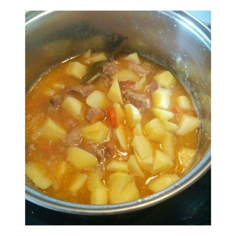 Estofado de carne de pavo con patatas