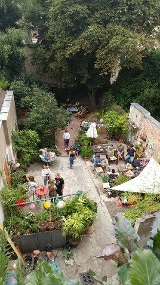 So lebhaft, schön und gemütlich ist es im Sommer im aufstrebenden Kölner Stadtteil Kalk.  Die Kalker Oase lädt zum Entspannen ein. #ideen #sommer #köln #kalk #domstadt