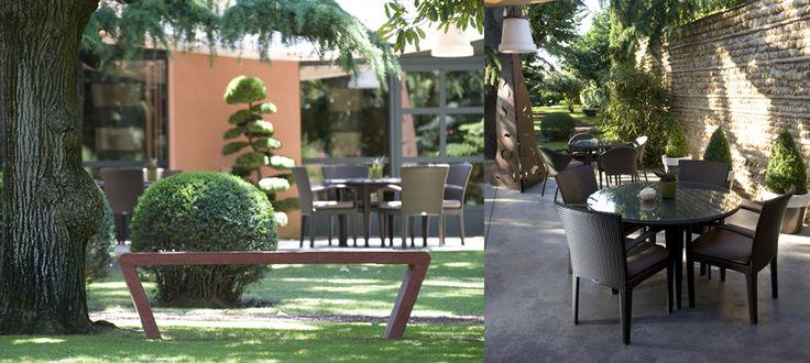 La magnifique terrasse du restaurant Alexandre, Relais & Châteaux à Nîmes.