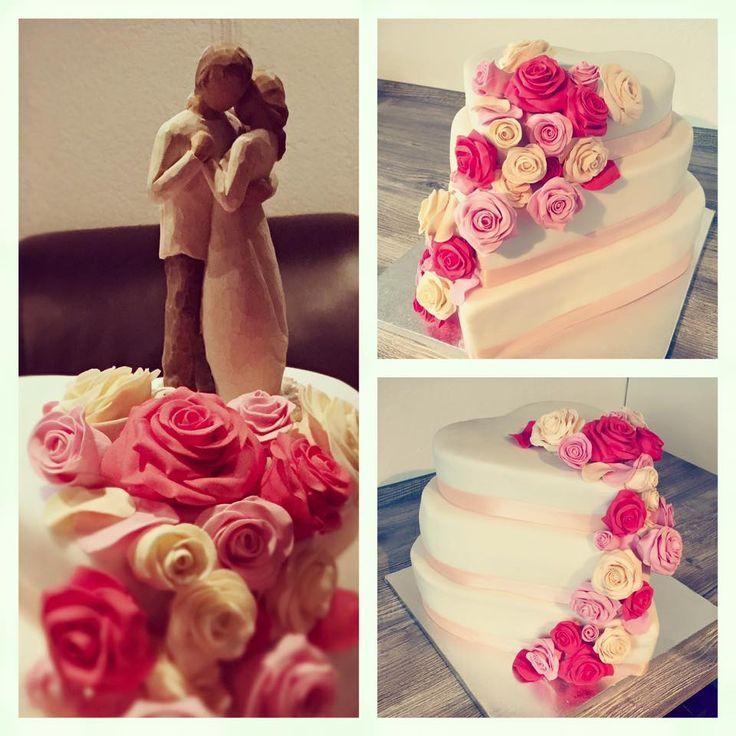 WeddingCake, Hochzeitstorte, Herzform, Heart, Roses, Rosen, Rosa, Creme, Fondant, Wedding, Torte, Cake, Hochzeit