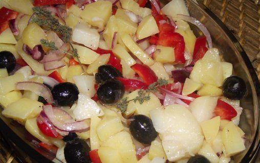 Retete Culinare - Salată de cartofi