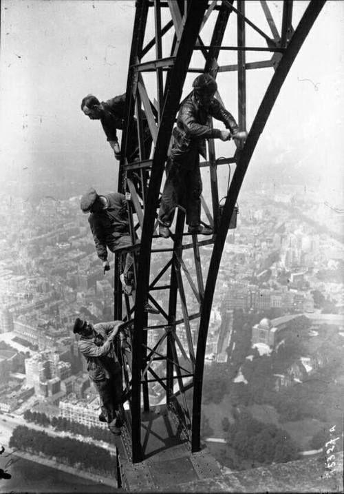 silviamalavolta:  The construction of eiffel tower