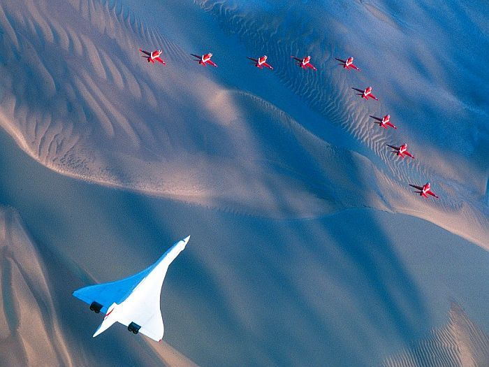 Concorde's Last Flight with escorts