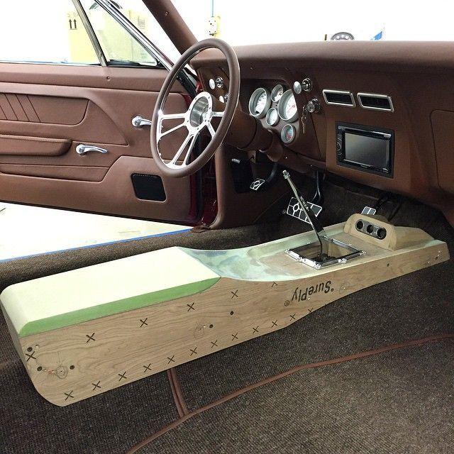 Https I Pinimg Com Originals E7 Dd 07 E7dd07899e18ff03dc7012fdb8dec2a2 Jpg In 2020 Car Interior Custom Consoles Custom Car Interior