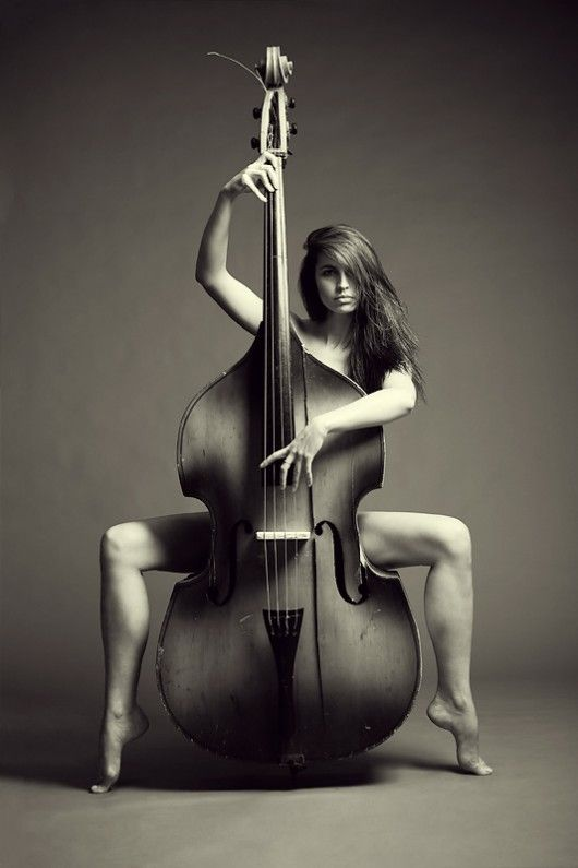 Model and cello make an appearance: Beautiful Woman, White Photography, Vladimirzotov, Classic Music, Black White, Plays, Cello, Instruments, Vladimir Zotov
