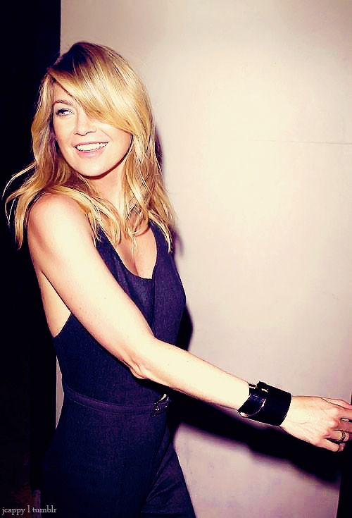 Loving the sassy sweep & soft waves. Ellen Pompeo <3