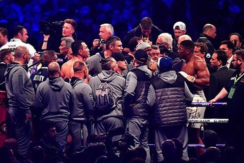How Anthony Joshua 'nearly came to blows' with Vitali Klitschko 👉🏻LINK IN BIO🔝 http://www.boxingnewsonline.net/how-anthony-joshua-nearly-came-to-blows-with-vitali-klitschko/  #boxing #BoxingNews