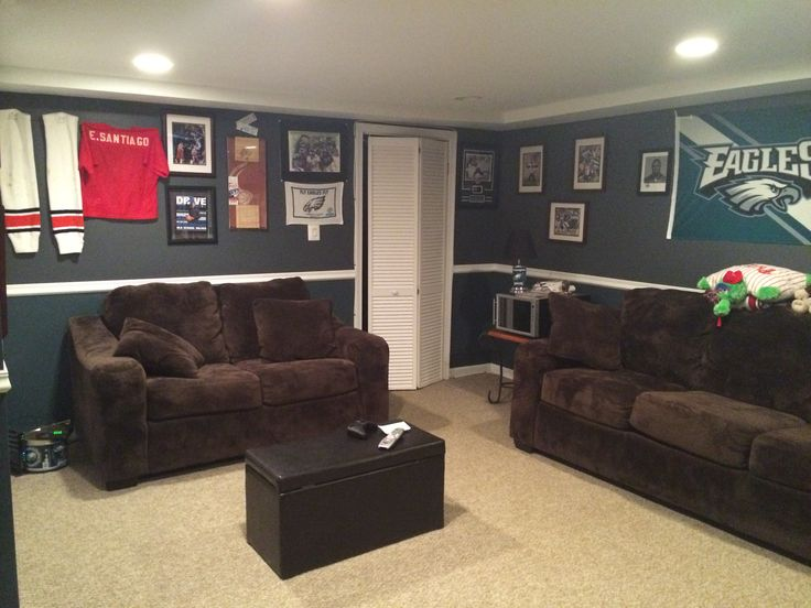 Husbands eagles man cave house ideas pinterest caves for Eagle decorations home