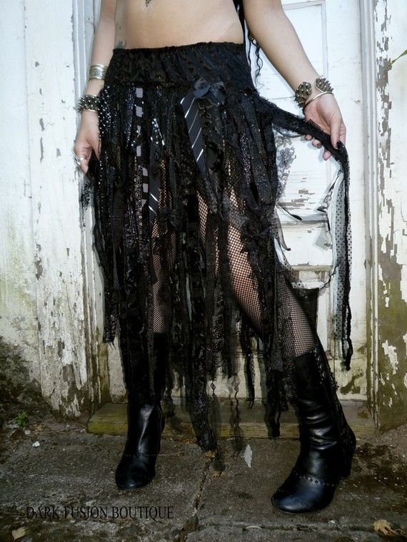 DIY skirt, fabric scraps, strips. shreds, ribbon, lace, tattered, torn, shabby, goth