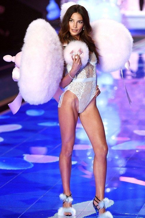Victoria's Secret Model Disclose Her Exercise And Diet Plan