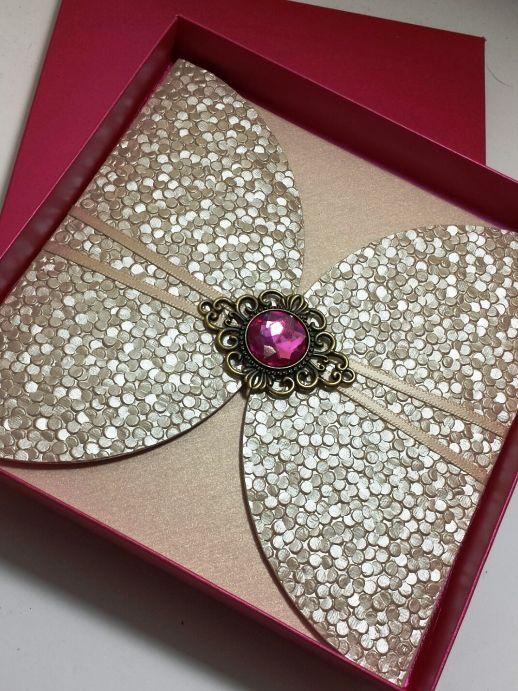 Luxury Boxed Wedding Invitation Finished With A Gorgeous Antique Embellishment Www Sijara Co Uk In 2018 Pinterest