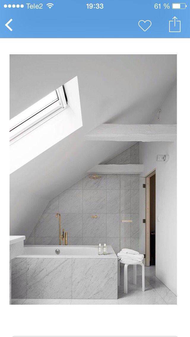 Snygga kranar till marmor på badrummet
