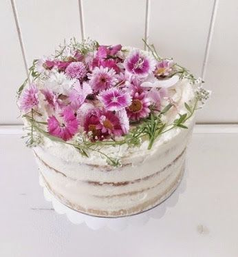 Oh, perfect day! Love #Spring garden weddings. Champagne & fresh raspberries & organic buttercream.  #nakedcake #brisbane #weddings  #handmade #homegrown #edibleflowers #flowers #cake #gillianbell