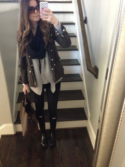 Ooooh... Have the boots, have the bag... I think I can get the rest from my closet. #lv #hunters a nice winter outfit