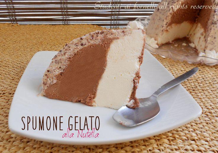 Lo spumone gelato alla Nutella e mascarpone è un dolce gelato tipico di Napoli, è simile allo zuccotto preparato con biscotti savoiardi