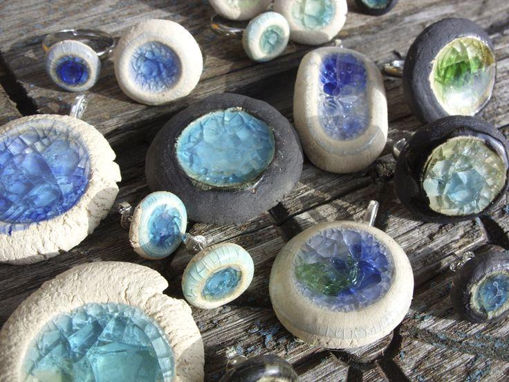 die besten 25 keramik schmuck ideen auf pinterest porzellan schmuck keramische werkstoffen. Black Bedroom Furniture Sets. Home Design Ideas