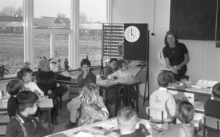 Een schoolklas uit Uden in 1965. (fotocollectie BHIC)