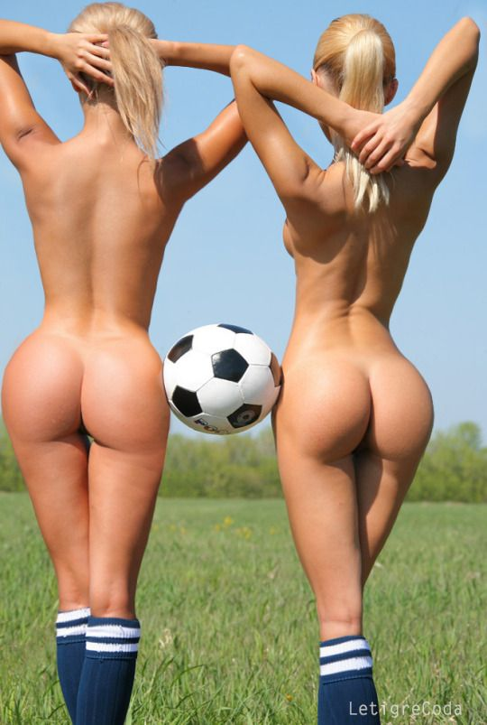 Sexy Soccer Girls Nude Booty
