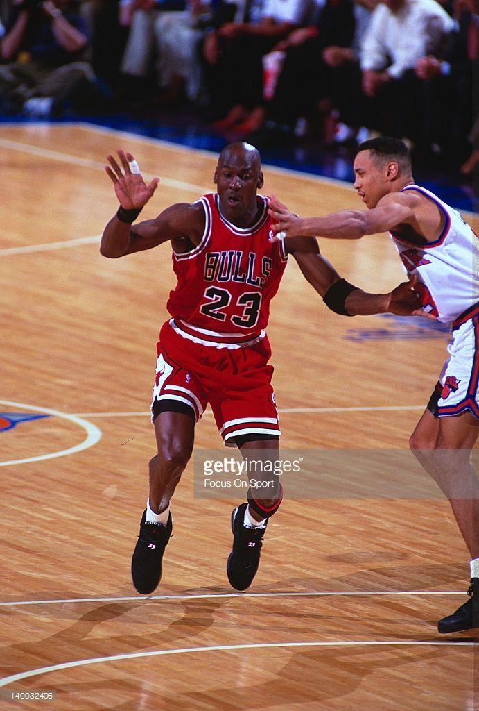 Fotografia de notícias : Michael Jordan of the Chicago Bulls is guarded by...