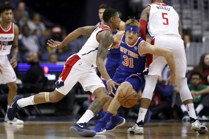 WASHINGTON — Ron Baker subscribes to the old-school no-layup, no-dunk rule. It's why Jeff Hornacek loves him. Baker is now wearing a mask because of it, because that philosophy didn't work out as h…