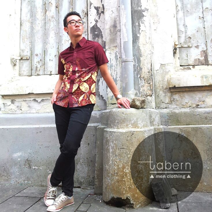 Type: Edward Size: M, L, XL  #batik #slim #men #pria #casual #baju #outfit #kemeja #kemejapria #atasan #batikpria #batikslim #batikfashion #fashion #top #jual #menstop #indie #limited #tidy #nerd #looks #young #style #stylish #gaya #muda  visit instagram: @tabern_clothing
