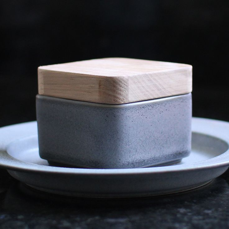 Small Utage Tool with Wooden Cover in Gray by Yumiko iihoshi