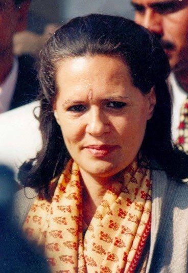 Sonia Gandhi - Die 10 mächtigsten Frauen 2012 - Die gebürtige Italienerin Sonia Gandhi ist die Präsidentin der derzeit regierenden Indischen Kongresspartei und die Witwe des ehemaligen indischen Premierministers...