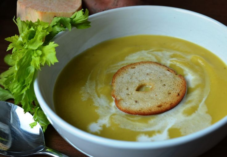 Krémová polévka z batátu a řapíkatého celeru
