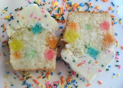 Funfetti cupcakes arefun, it's true, but when you bake fat chunks of CAKE CONFETTI into cupcakes, it's even better! The best part: the super-sized confetti cupcakes are topped with homemade funfetti buttercream. PARTY!  Here's the recipe!